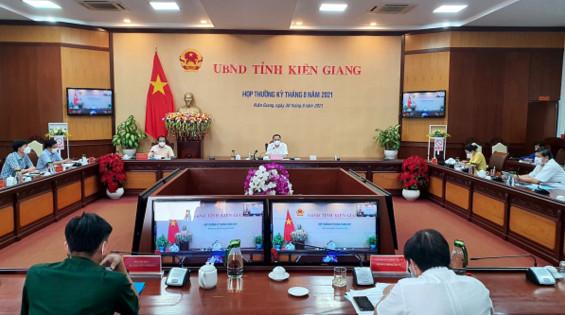 Chủ tịch UBND tỉnh Kiên Giang, ông Lâm Minh Thành chủ trì cuộc họp