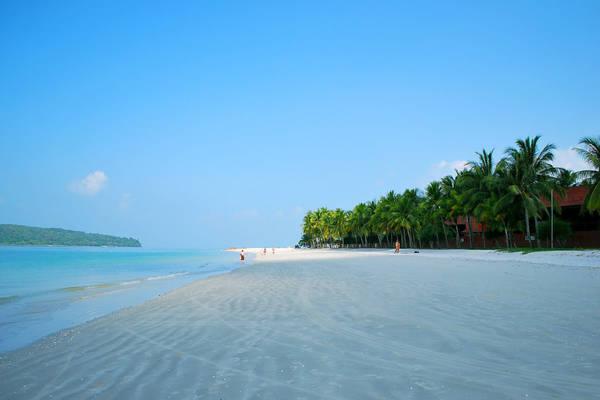 Một trong những bãi biển nổi tiếng nhất Langkawi là Cenang (có chiều dài hơn 10km)