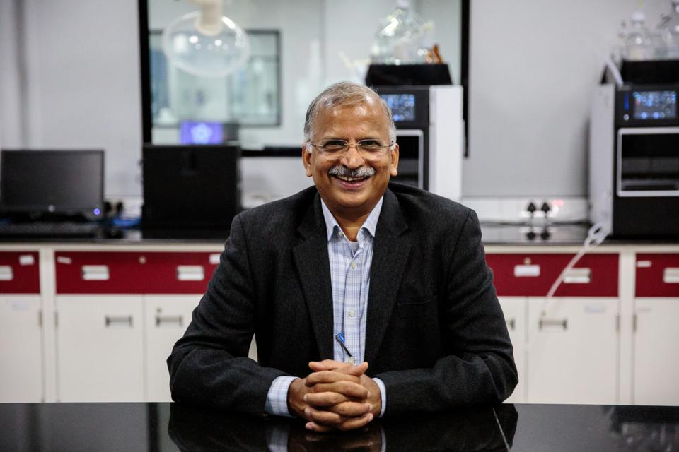 Satyanarayana Chava của Laurus Labs ở Visakhapatnam, Andhra Pradesh, Ấn Độ (Nguồn: BLOOMBERG).