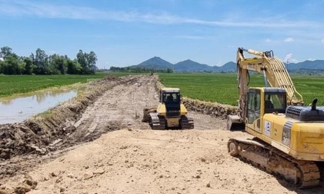 Quỳnh Lưu (Nghệ An): Tổ chức Hội nghị triển khai phương án cưỡng chế thu hồi đất GPMB đường cao tốc Bắc – Nam đoạn qua xã Quỳnh Lâm