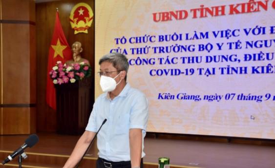 Phó Giáo sư- Tiến sĩ Nguyễn Trường Sơn, Thứ trưởng Bộ Y tế phát biểu tại buổi làm việc với tỉnh Kiên Giang