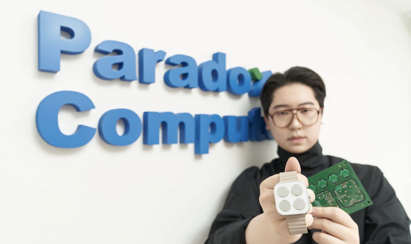 Sukone Hong, người sáng lập kiêm Giám đốc điều hành của công ty đồng hồ thông minh chữ nổi Paradox Computers.