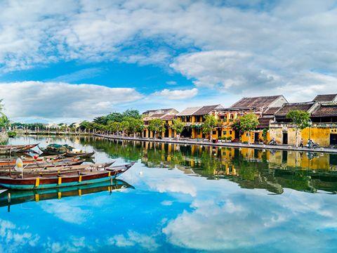Việt Nam thí điểm đón khách quốc tế trở lại