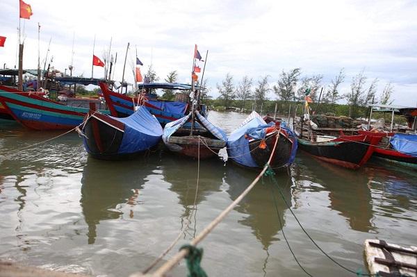 Hà Tĩnh gọi hơn 3.600 tàu thuyền vào bờ tránh bão số 5
