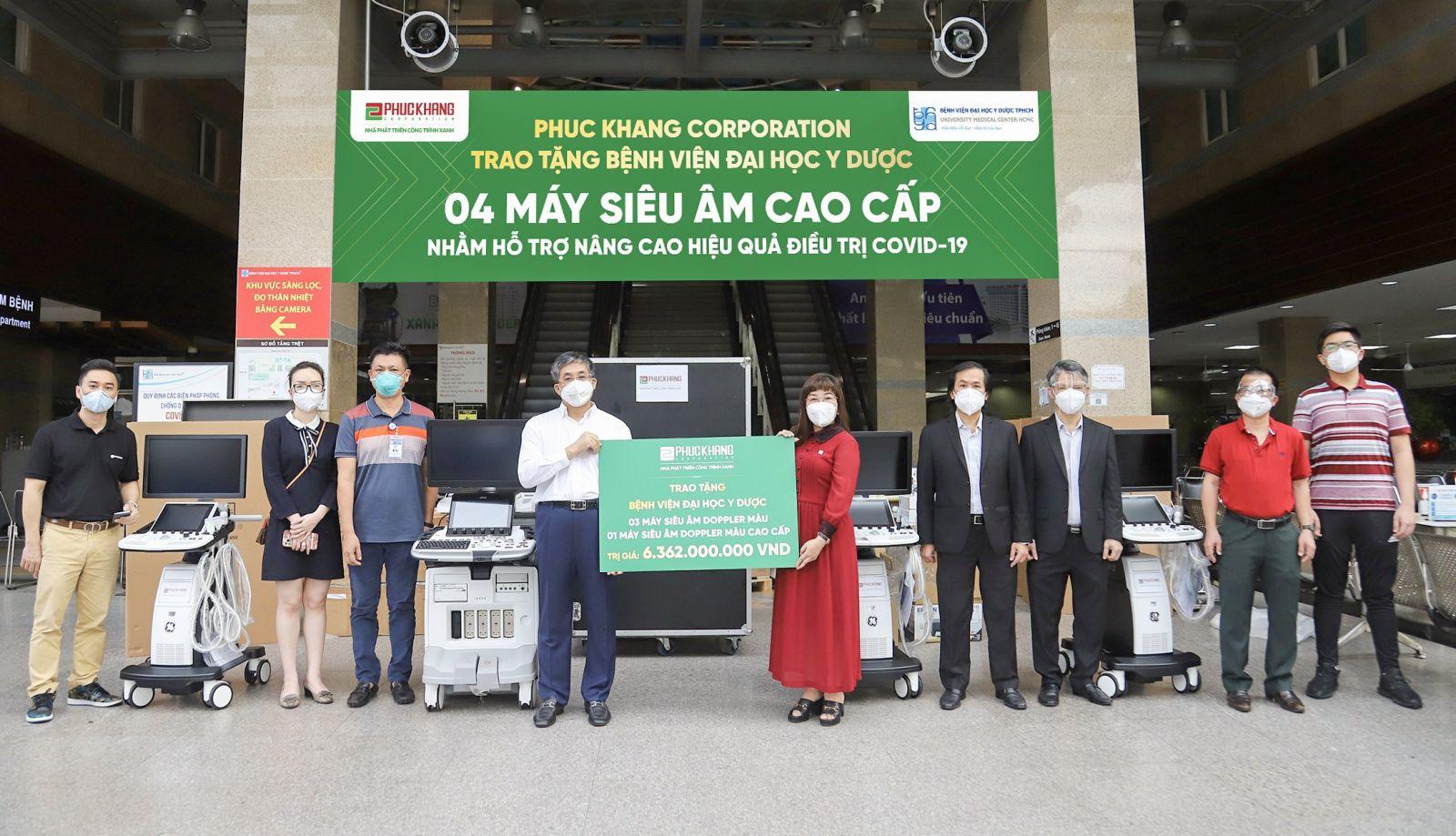Phuc Khang Corporation trao tặng 4 máy siêu âm cho BV ĐHYD TP.HCM với tổng giá trị hơn 6.3 tỷ đồng