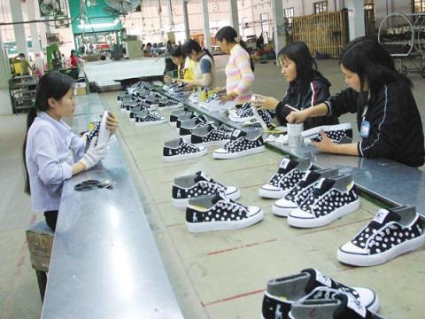 Xuất khẩu da giày giảm 38,2% trong tháng 8