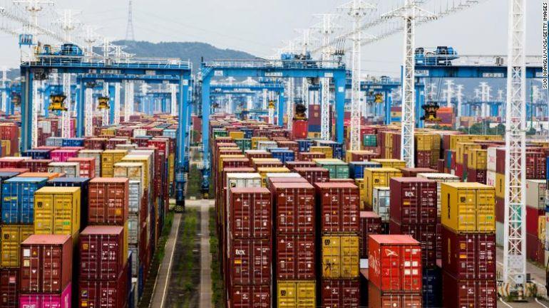 """Đại dịch đã biến container vận chuyển thành mặt hàng """"hot"""" nhất hành tinh như thế nào?"""