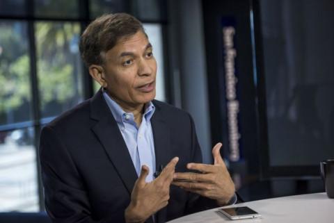 Tỷ phú Jay Chaudhry: Đừng làm vì tiền, tôi có được thành công của hôm nay là vì tôi không chấp niệm với tiền...
