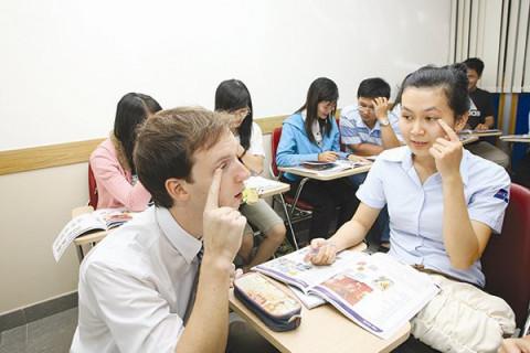 Linh hoạt cấp phép, gia hạn giấy phép cho lao động nước ngoài làm việc tại Việt Nam phù hợp với bối cảnh mới