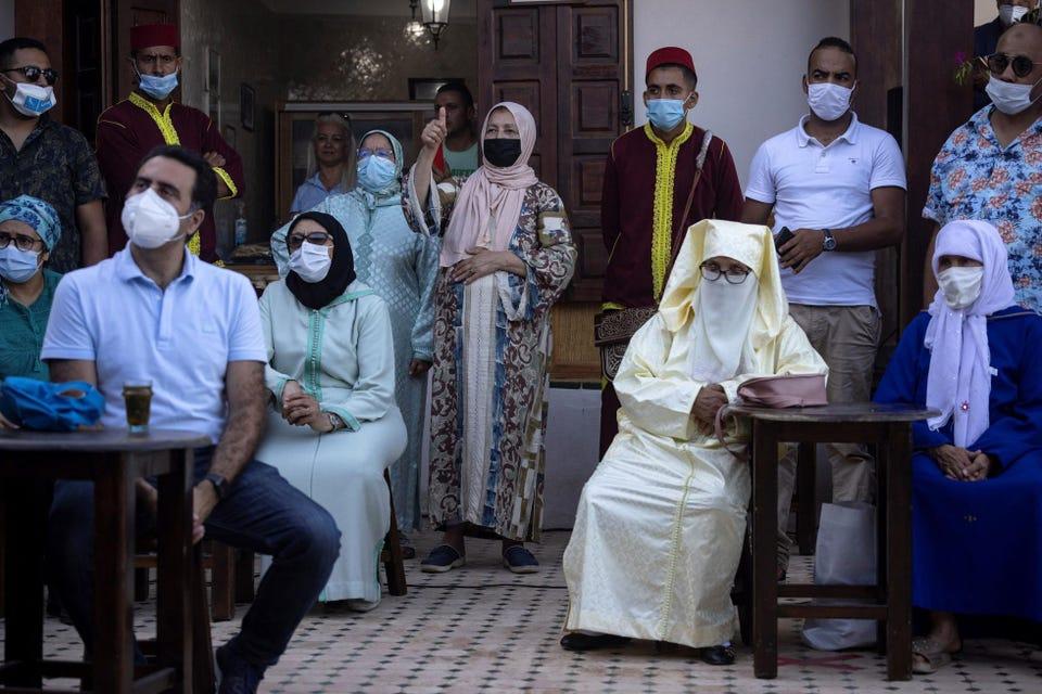 Những người ủng hộ Aziz Akhannouch tham dự một cuộc họp chiến dịch ở Oudaya Kasbah ở thủ đô Rabat vào năm 2021 (Nguồn: GETTY IMAGES).