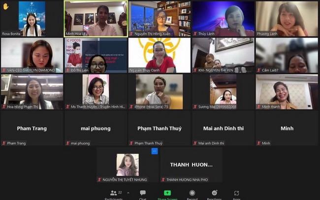 Các thành viên tham gia chương trình XTTM trực tuyến