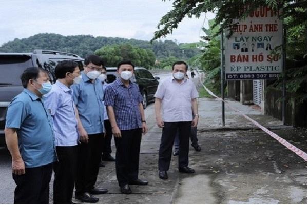 Bí thư tỉnh ủy Thanh Hóa Đỗ Trọng Hưng trực tiếp xuống chỉ đạo công tác phòng chống dịch