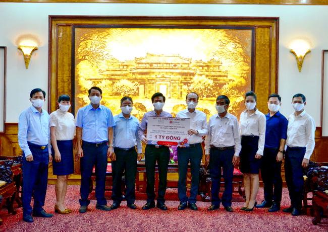"""Quỹ an sinh """"Sức sống mới"""" của SeABank và Tập đoàn BRG ủng hộ 18 tỷ đồng Huế, Đà Nẵng, Bà Rịa - Vũng Tàu phòng chống dịch Covid-19"""