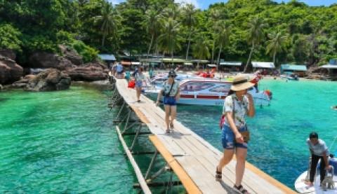 Ông Đoàn Văn Việt - Thứ trưởng Bộ VHTT&DL: Thí điểm đón khách quốc tế đến đảo Phú Quốc vào tháng 10 năm 2021