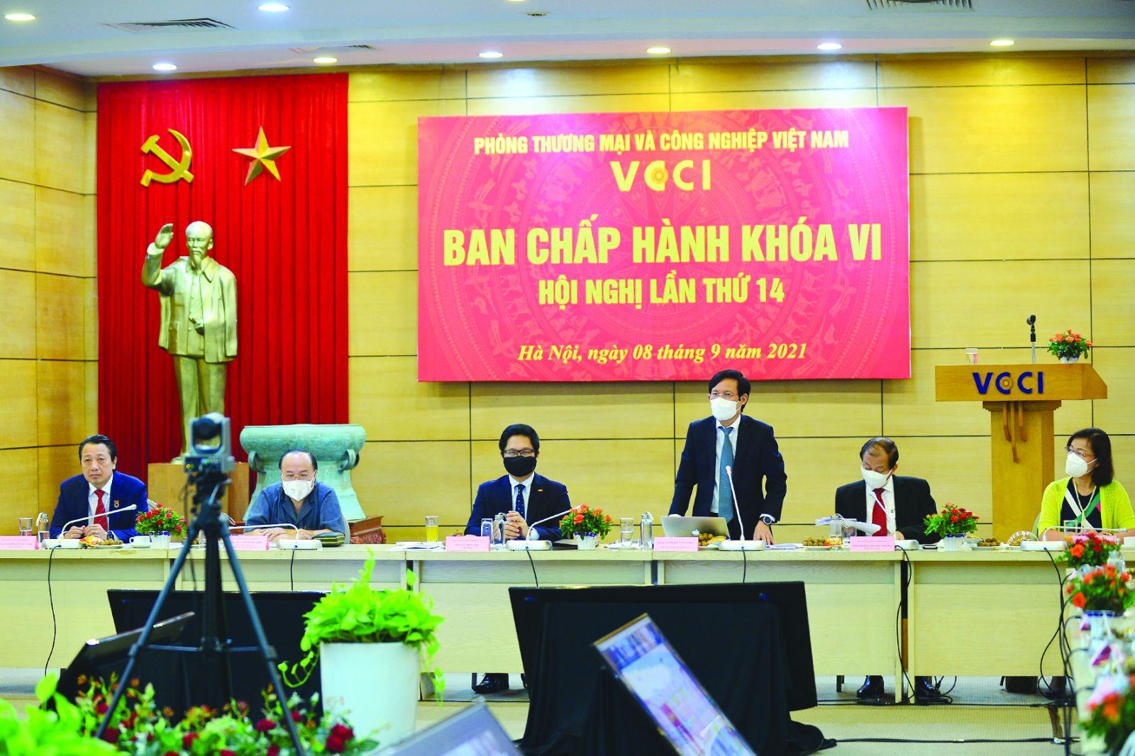 """Chủ tịch VCCI Phạm Tấn Công: """"Hỗ trợ, đồng hành cùng cộng đồng doanh nghiệp vượt qua COVID-19 lúc này là nhiệm vụ cấp bách mà VCCI cần dốc toàn lực để thực hiện"""""""