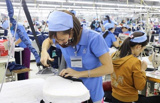 Nghệ An: 9 doanh nghiệp đã được vay vốn để trả lương ngừng việc, lương phục hồi sản xuất với tổng trị giá giải ngân gần 1,4 tỷ đồng