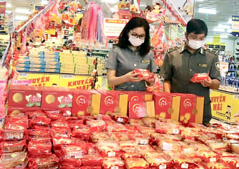 Phú Thọ: Đẩy mạnh công tác tuyên truyền, kiểm tra vệ sinh an toàn thực phẩm dịp Tết Trung thu