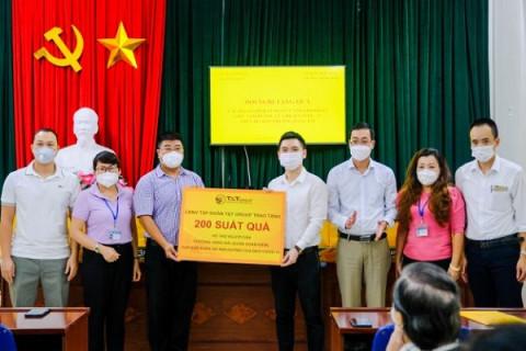 CBNV T&T Group trao tặng 3000 suất quà cho người dân Hà Nội gặp khó khăn do Covid - 19