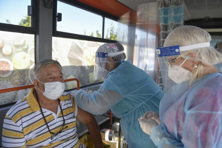 Một mục tiêu, hai con đường: Hoa Kỳ - EU tìm kiếm tỷ lệ tiêm chủng tối đa