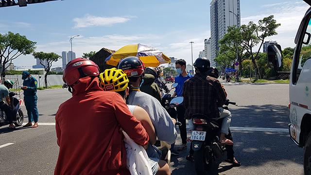 Đà Nẵng đang xem xét nới lỏng các hoạt động xã hội và kiểm soát người dân ra đường hữu hiệu hơn.