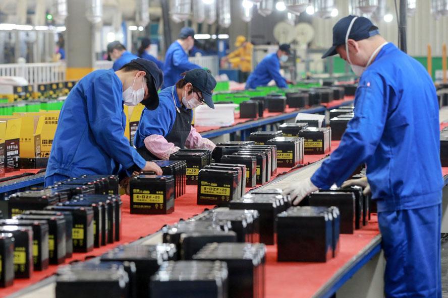 Đồng hành cùng tháo gỡ khó khăn giúp doanh nghiệp phục hồi sản xuất