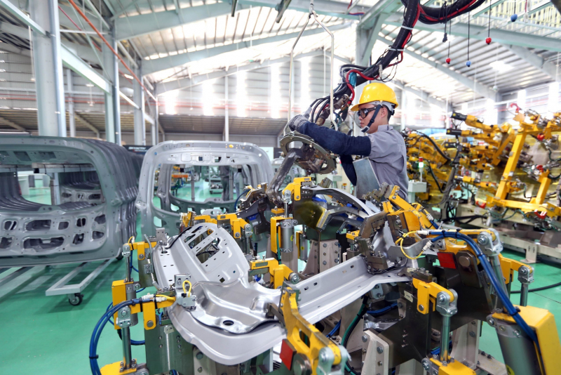 Ghi chú hình: Nếu không có kế hoạch rõ ràng mở cửa lại nền kinh tế, Việt Nam sẽ bỏ lỡ nhiều cơ hội đầu tư.