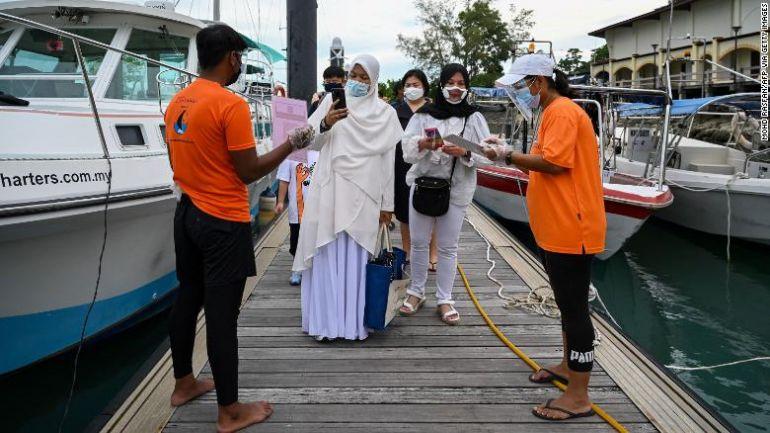 Dưới áp lực về tăng trưởng kinh tế, liệc việc các nước Đông Nam Á dần loại bỏ chiến lược 'zero Covid' có an toàn?