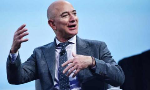 """""""Trái đất trông mong manh khi nhìn từ không gian"""": Jeff Bezos cam kết bảo tồn trị giá 1 tỷ đô la"""