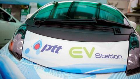 Tập đoàn dầu khí lớn của Thái Lan PTT tung ra khoản đầu tư 16 tỷ USD vào xe điện và năng lượng xanh