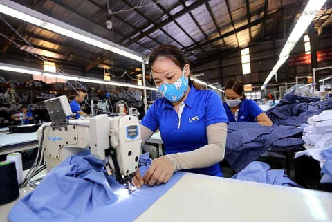 Doanh nghiệp dệt may được khôi phục sản xuất từ đầu tháng 10 sẽ giữ được hợp đồng xuất khẩu