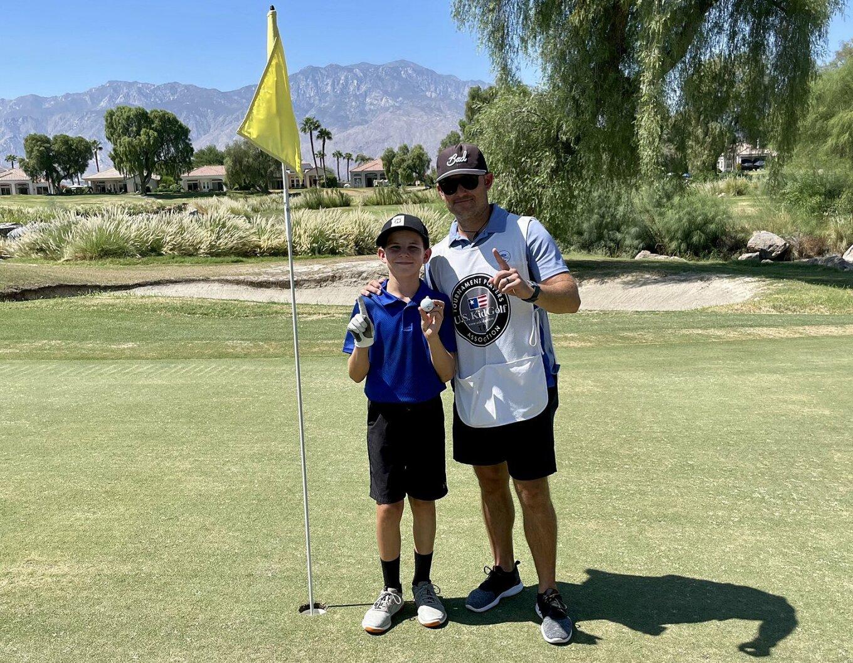 Golfer 11 tuổi người Mỹ Jake Martinez đã ghi liền 2 HIO trong vòng đấu đầu tiên của giải Palm Springs Open, một sự kiện thuộc U.S Kids Golf của Mỹ. Nguồn: Internet