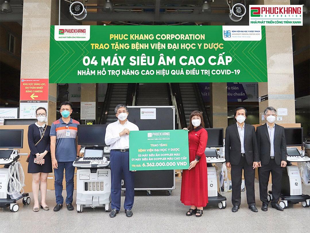Mới đây, Phuc Khang Corporation đã trao tặng 4 máy siêu âm cho BV ĐHYD TP.HCM.