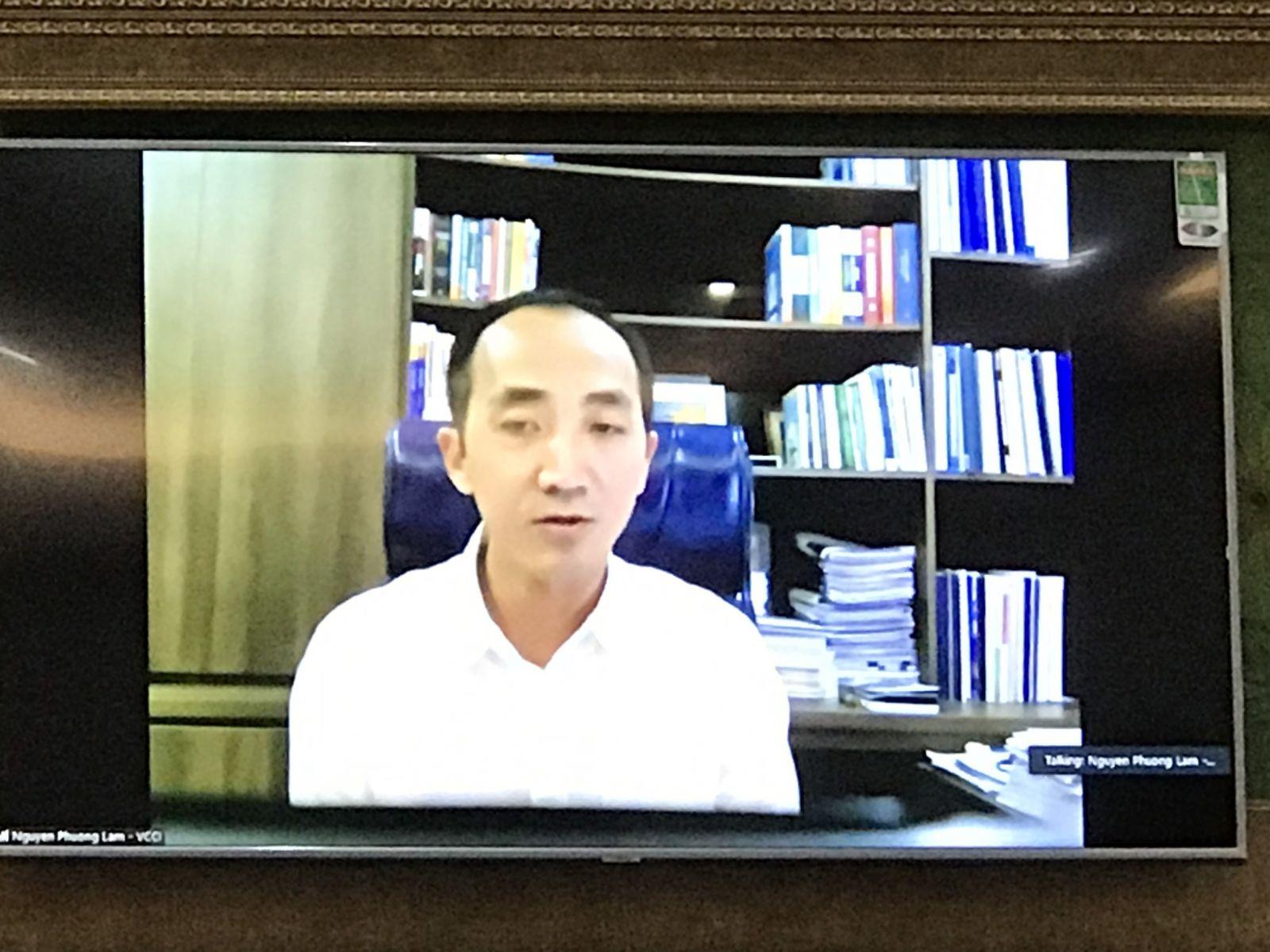 Ông Nguyễn Phương Lam - Giám đốc VCCI Cần Thơ, chia sẻ trực tuyến tại điểm cầu Cần Thơ