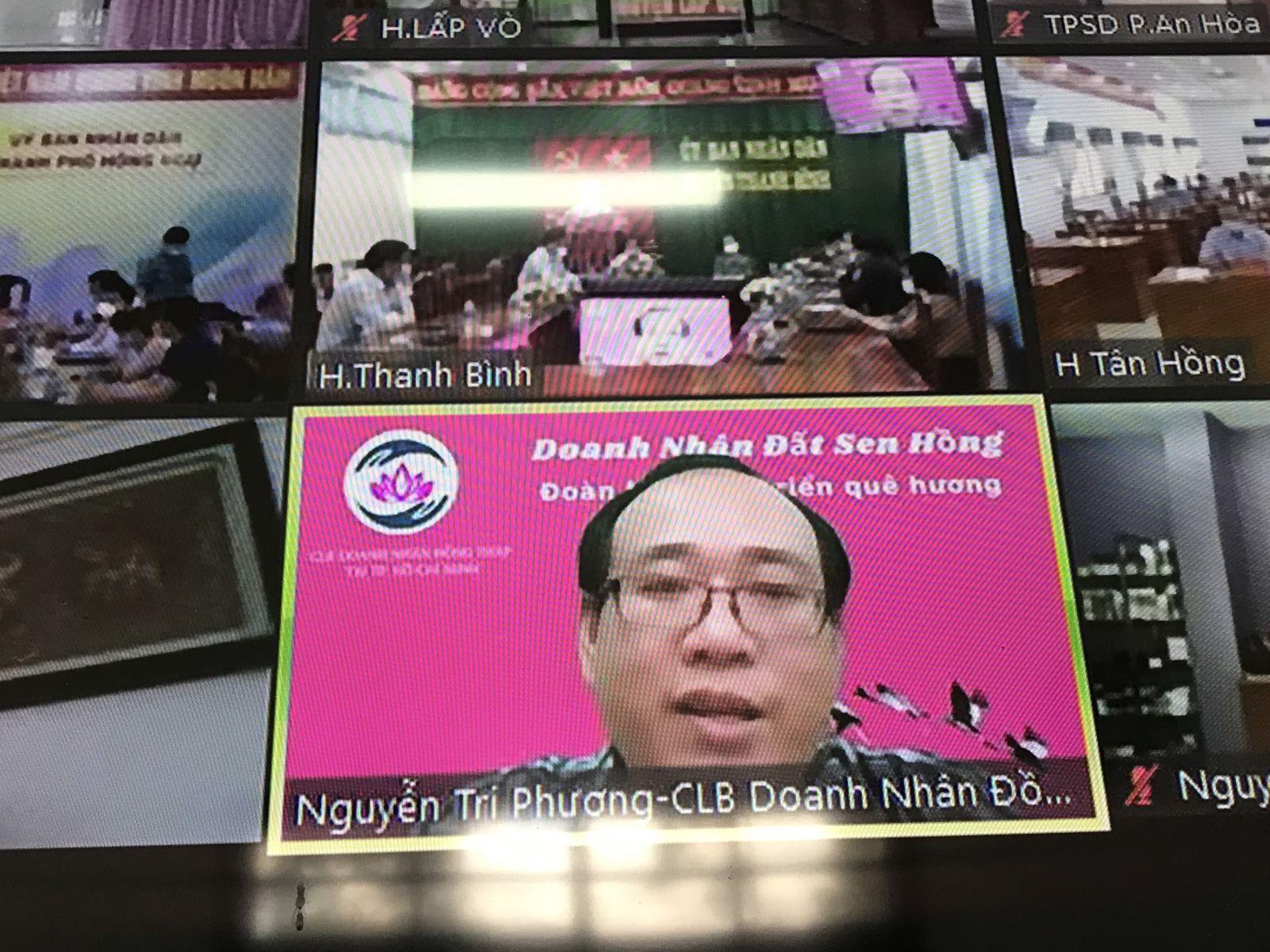Ông Nguyễn Tri Phương - Phó Chủ tịch CLB Doanh nhân Đồng Tháp tại TP.HCM, chi sẻ thông tin tại điểm cầu TP.HCM
