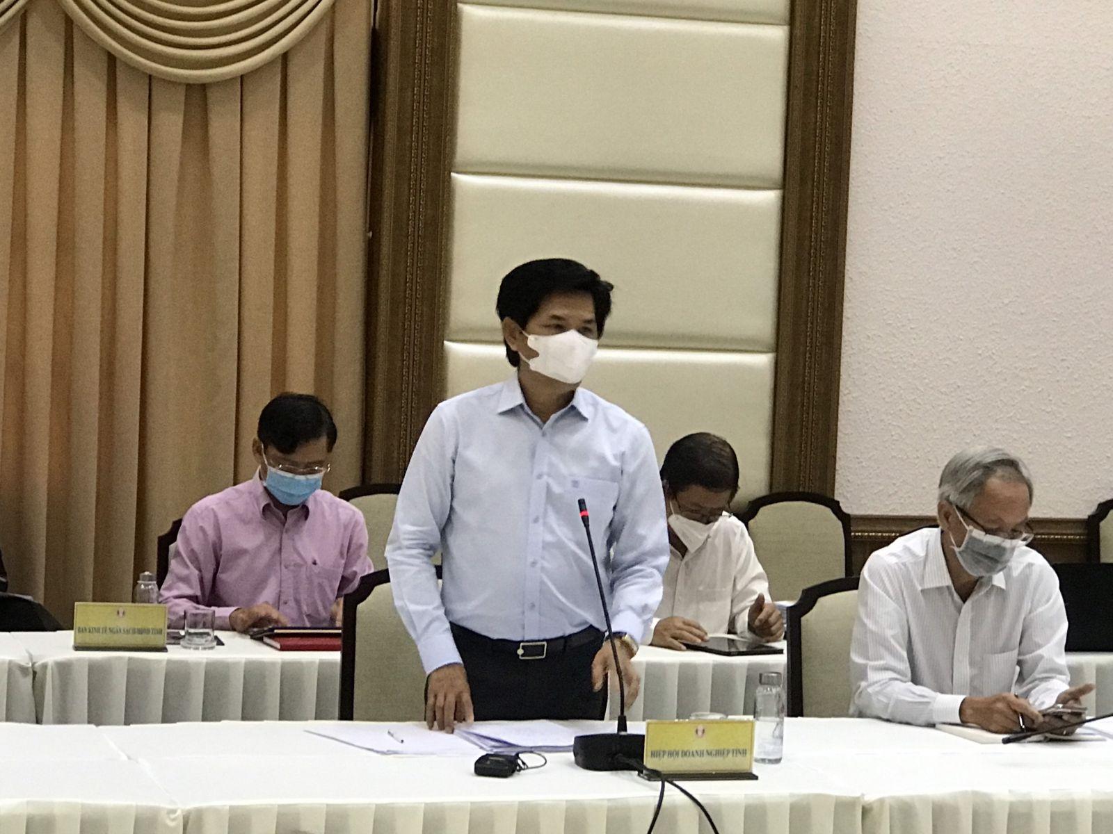ông Hồ Chí Dũng - Chủ tịch Hiệp hội Doanh nghiệp tỉnh Đồng Tháp phát biểu ý kiến tại điểm cầu UBND tỉnh Đồng Tháp.