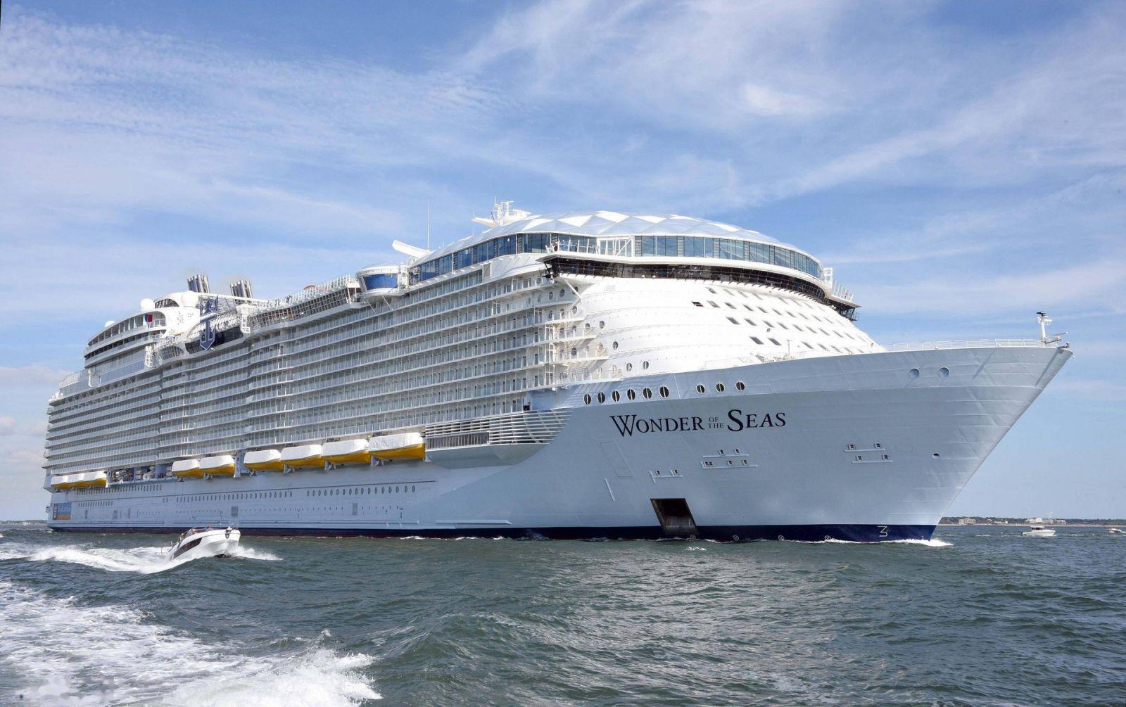 Cận cảnh tàu du lịch lớn nhất thế giới