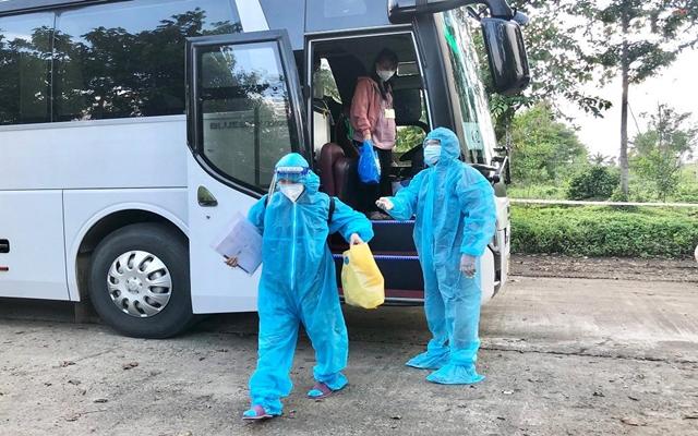 Theo chỉ đạo của Chủ tịch UBND tỉnh Quảng Ngãi cần thực hiện cách ly y tế tập trung 07 ngày và tiếp tục cách ly tại nhà 07 ngày đối với người nhập cảnh đã tiêm đủ liều vắc xin phòng COVID-19 hoặc đã khỏi bệnh COVID-19