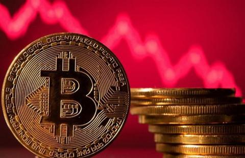 Bitcoin bất ngờ giảm giá mạnh