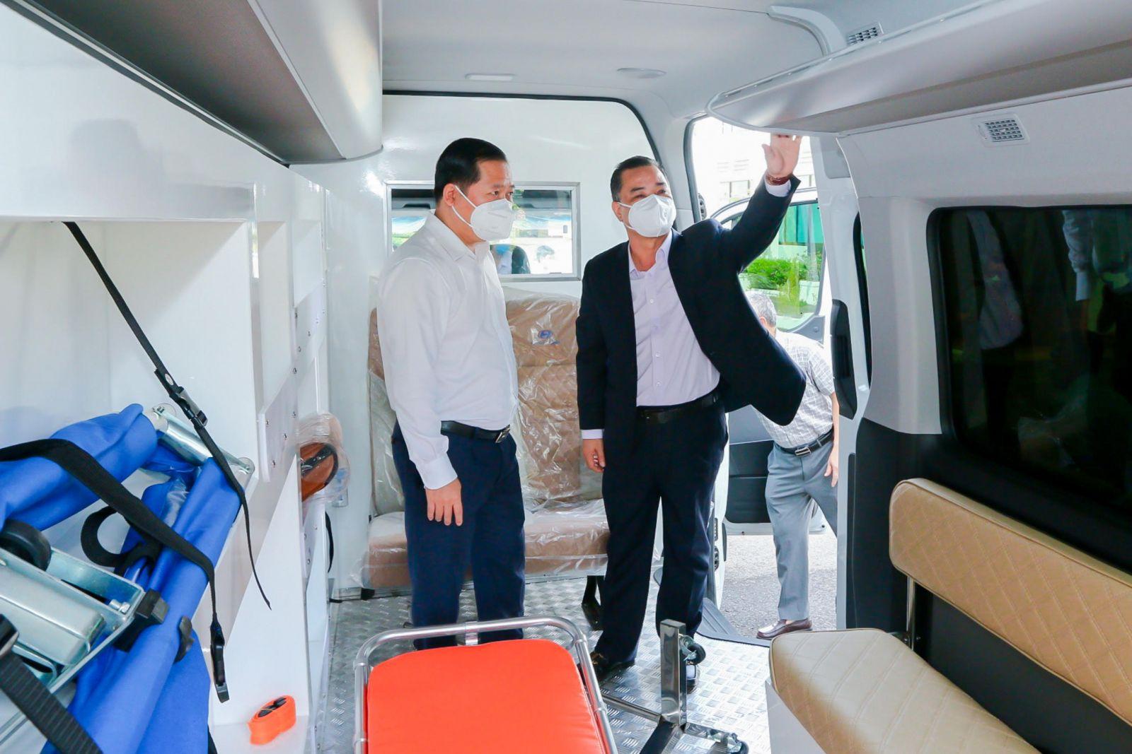 Các xe cứu thương này nhanh chóng được phân bổ về các bệnh viện và trung tâm y tế của tỉnh Bình Định nhằm hỗ trợ kịp thời cho công tác chống dịch Covid-19