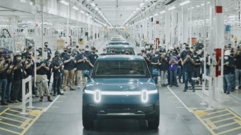 Rivian, nhân tố mới trong cuộc đua giành thị trường xe điện với Tesla