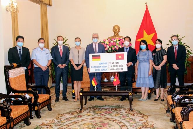 Lô 2,6 triệu liều vaccine lần này là lô vaccine thứ hai Đức viện trợ Việt Nam trong vòng hai tuần qua. Ảnh: Đại sứ quán Đức tại Việt Nam.