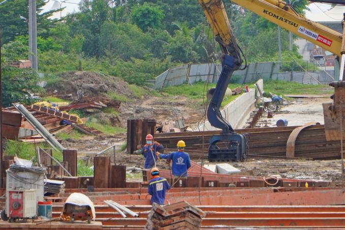 Công trường thi công hầm chui Nguyễn Văn Linh - Nguyễn Hữu Thọ, hồi giữa tháng 7/2021