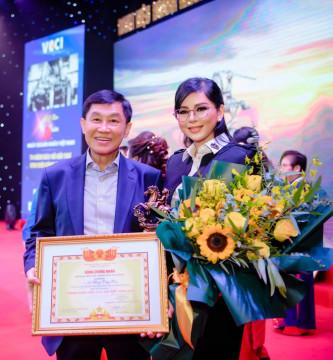 """CEO Lê Hồng Thuỷ Tiên - Nữ doanh nhân VN nhận Giải thưởng """"Doanh nhân ASEAN 2021"""""""