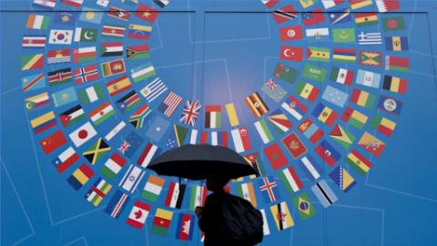 """Những """"cơn gió ngược"""" đe dọa sự phục hồi của kinh tế thế giới"""
