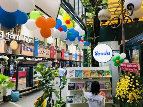 Sbooks phối hợp Hội Xuất Bản Việt Nam và Đường sách thành phố Hồ Chí Minh khai trương khu trưng bày tủ sách gia đình và danh mục sách cho học sinh