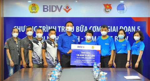 Ngân hàng BIDV trao 18.000 suất cơm hàng tặng đồng bào khó khăn tại TP. Hà Nội