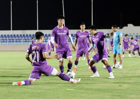 Đội tuyển bóng đá Việt Nam chuẩn bị chiến thuật trước khi gặp Oman vào ngày 12-10