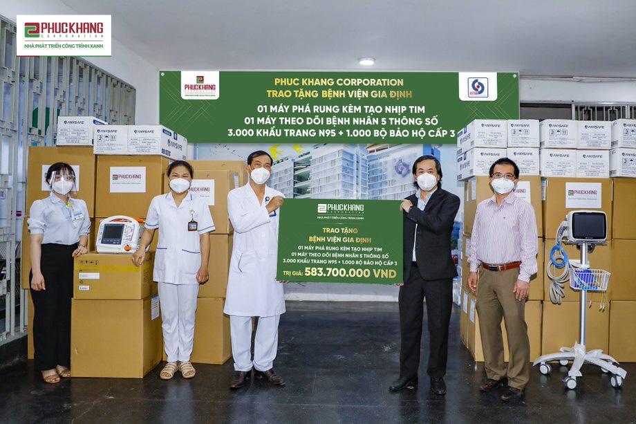 Phúc Khang trao tặng thiết bị y tế tại Bệnh viện ND Gia Định