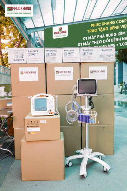 Các trang thiết bị y tế hiện đại Phuc Khang Corporation trao tặng cho 5 bệnh viện tuyến đầu với tổng giá trị hơn 3 tỷ đồng