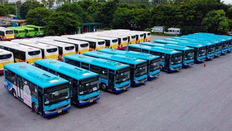 Hà Nội: Đề xuất cho xe buýt, taxi hoạt động trở lại
